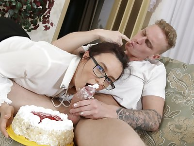 TUTOR4K. A cake connected with whipped high-quality and a huge cock